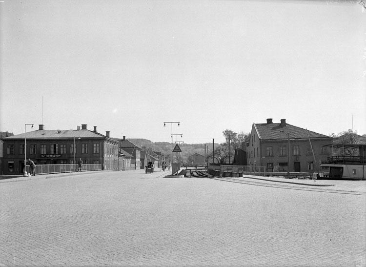 """Uppgift enligt fotografen: """"Uddevalla. Västerbron f. n."""""""