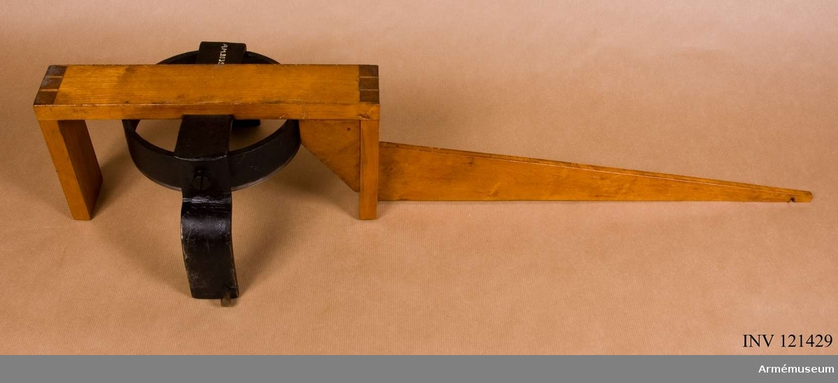 För beräkning av excentricitet hos 23 cm bomber 1844.
