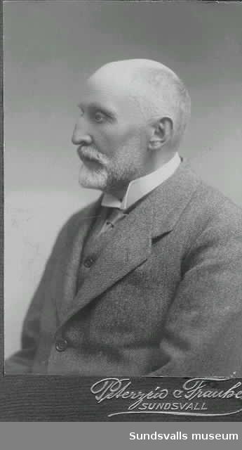 Visitkort med porträtt av konsul Chr Bredenberg.
