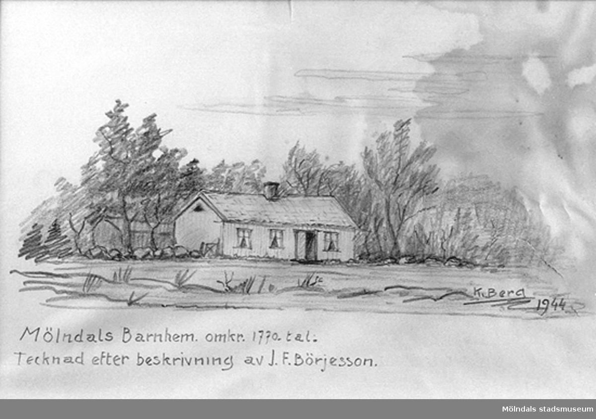 """Blyertsteckning som visar den äldsta skolbyggnaden i Åby - Holtermanska skolan i ursprungligt utseende. Häradsdomare J. F. Börjesson har beskrivit skolans utseende och Knut Berg har tecknat därefter 1944. På teckningen står skrivet: """"Mölndals Barnhem. omkr. 1770-tal. Tecknad efter beskrivning av J. F Börjesson."""""""