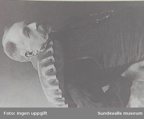 Stabbläggaren Lars Johan Groth uppfann bärputan vilken användes som stöd för plankbrädan. Bärputan kom att användas i andra sågverksdistrikt ute i världen.