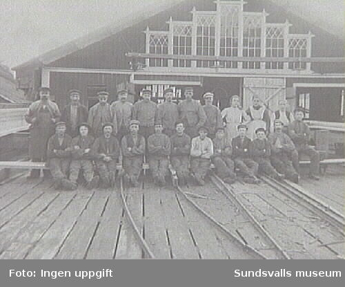 Sågverksarbetare vid Nyviks sågverk.