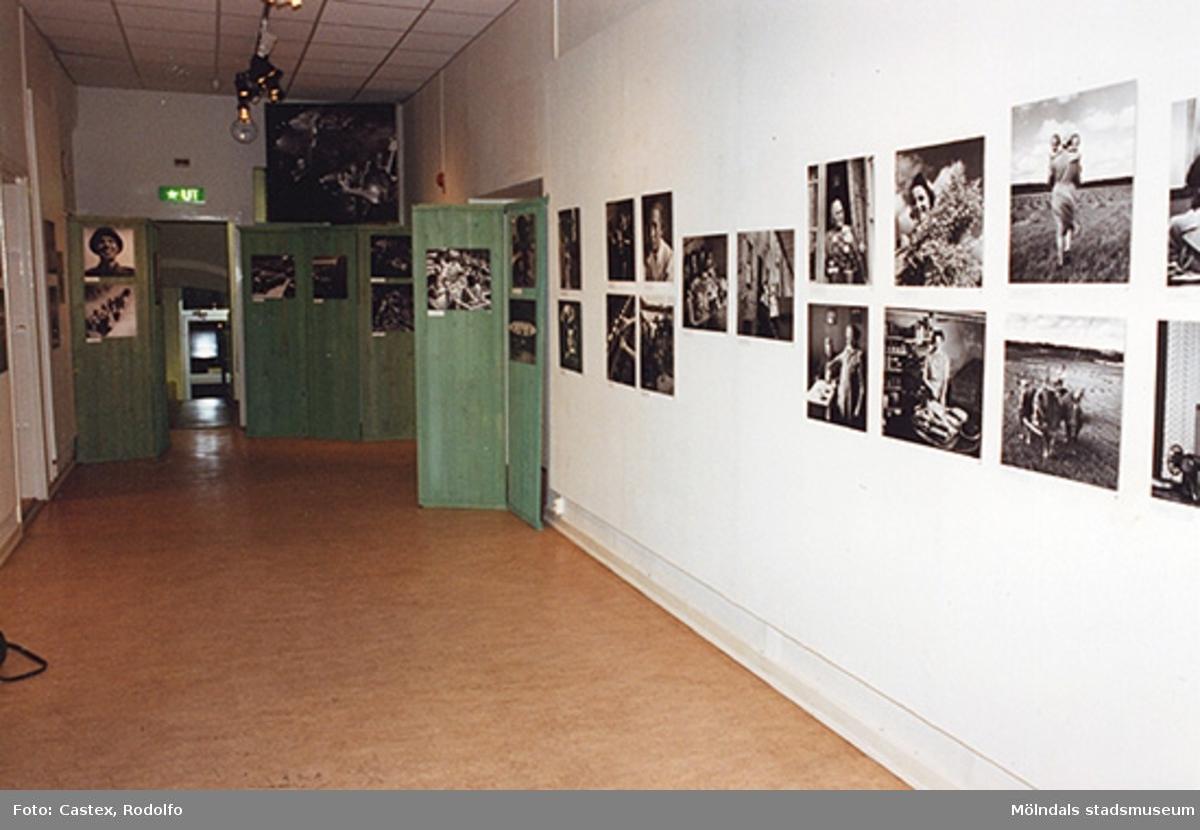 """Mölndals museum; pressvisning av utställningen """"KW Gullers Bildminnen"""", 1993-12-10."""