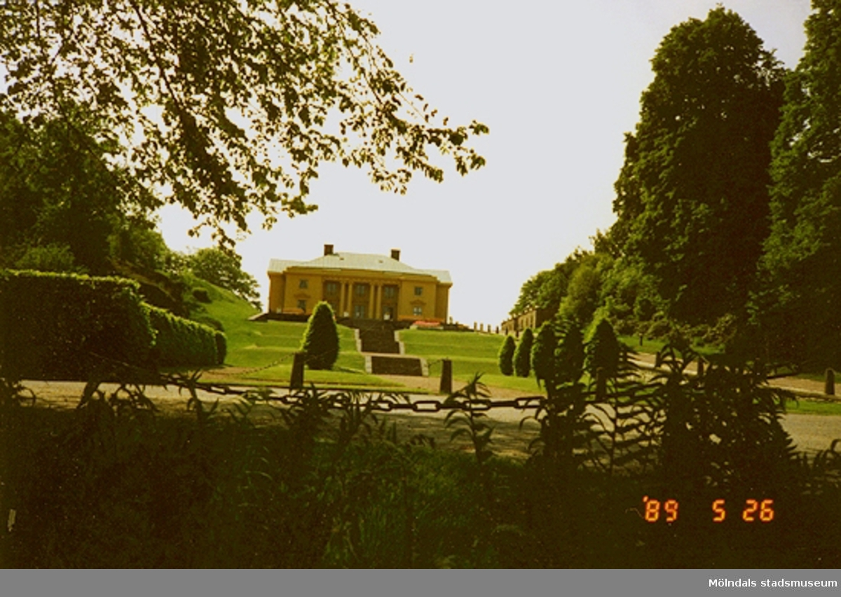 Slottet och parken i Gunnebo.