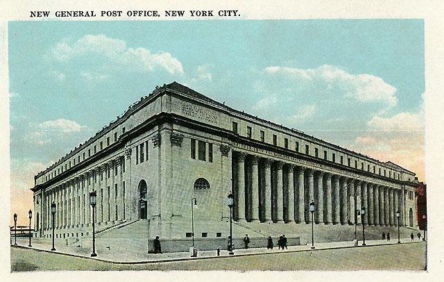 Byggnaden ligger i det kvarter som omfattas av 5th Avenue, 31st, 32nd och 33rd Street. Byygnadskostnad-erna var 6,2 miljoner dollar.