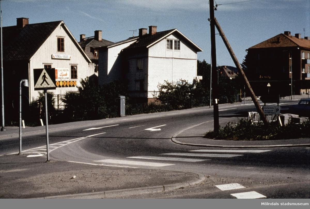 Vy från Järnhandlarrondellen vid Frölundagatan i Mölndal, 1970-tal.