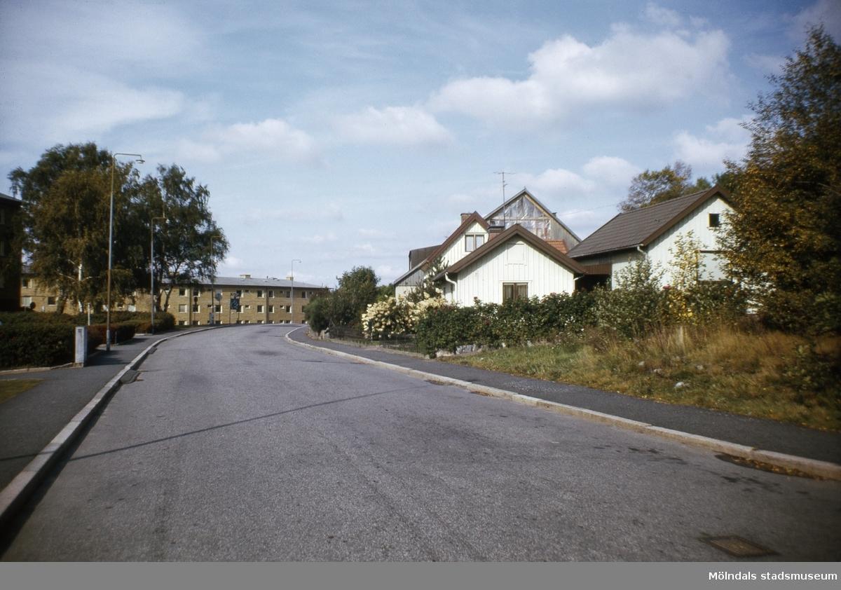Bebyggelse vid Delbancogatan i Mölndal, 1970-tal.