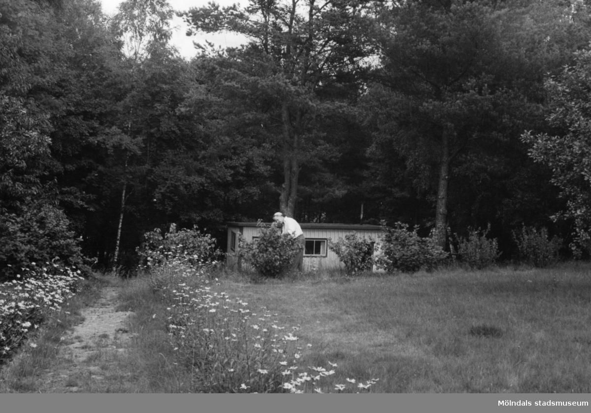 Byggnadsinventering i Lindome 1968. Annestorp 6:26. Hus nr: 570A2030. Benämning: fritidshus. Kvalitet: god. Material: trä. Tillfartsväg: framkomlig.