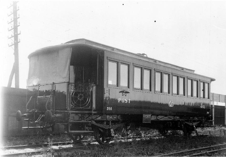 Fotografi föreställande Järnvägspostvagn Litt CD nr 208 efter dess ombyggnad. Vid Östra Centralbanan, tillverkad 1901.