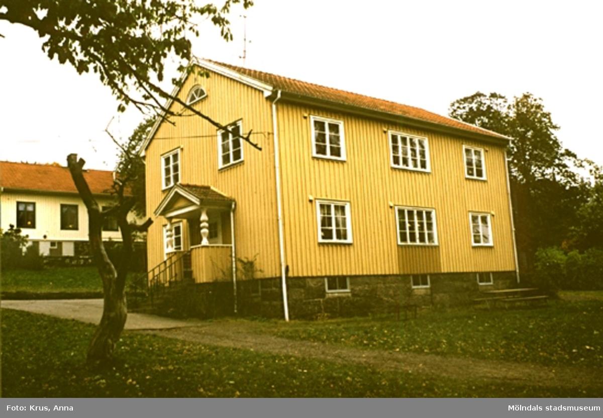 Tjänstebostäder - 1935 i Lindome. Sinntorpskolan.