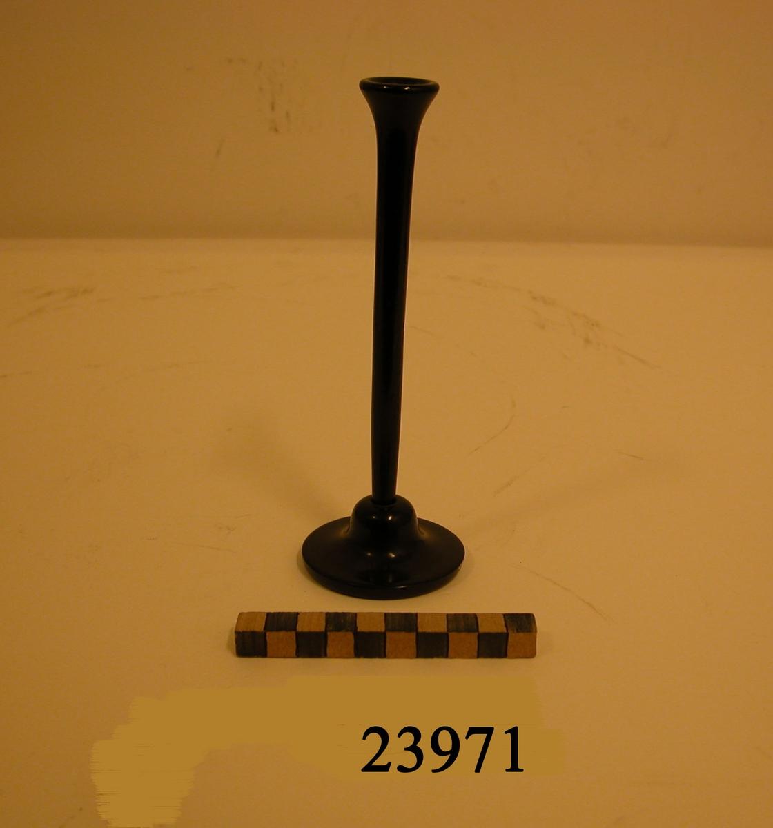 Stetoskop av trä, svartlackerat, isärskruvbart.
