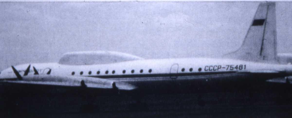 Russisk fly av typen Ilyushin II-18 Coot merking CCCP-75481.