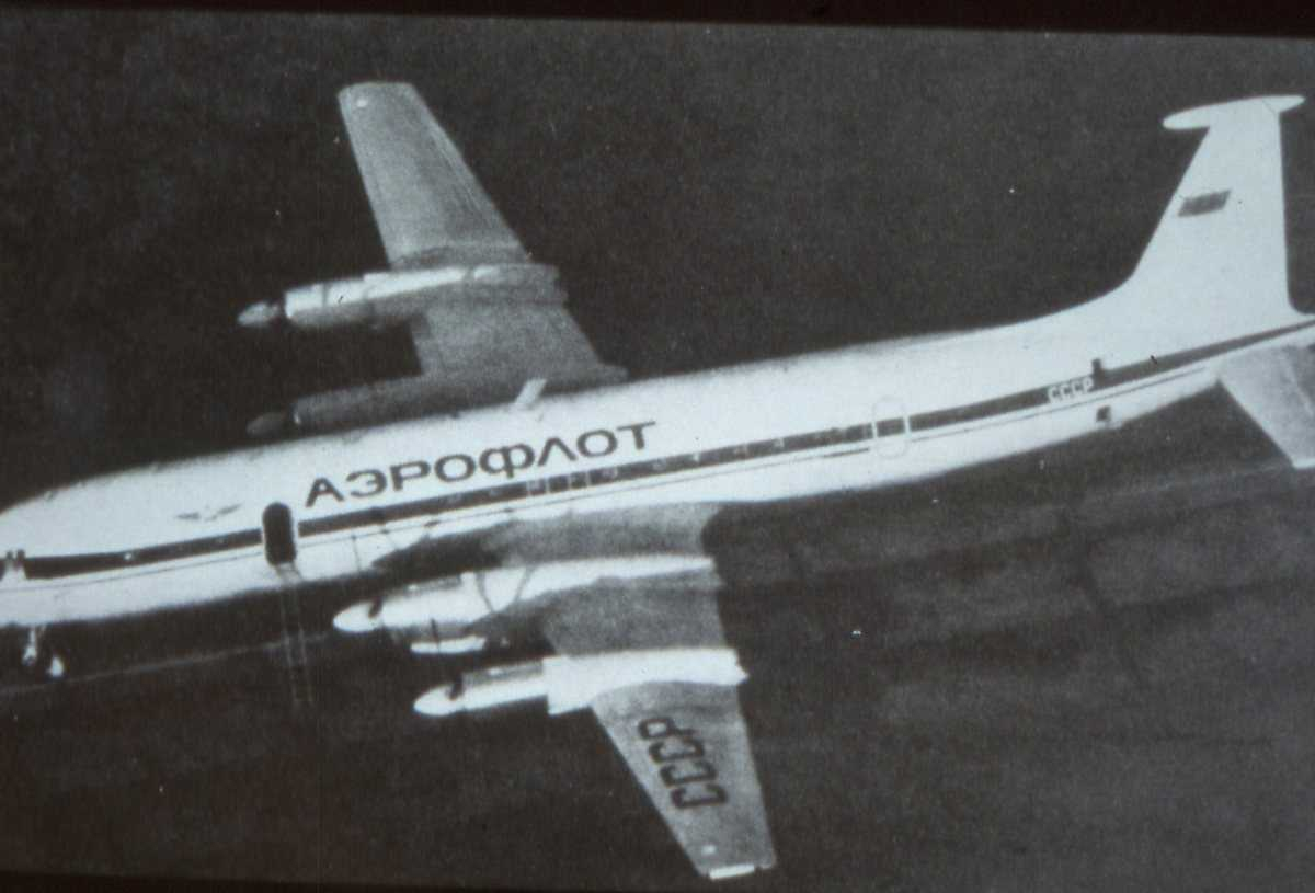 Russisk fly av typen Ilyushin II-22 Coot B tilhørende Aeroflot.