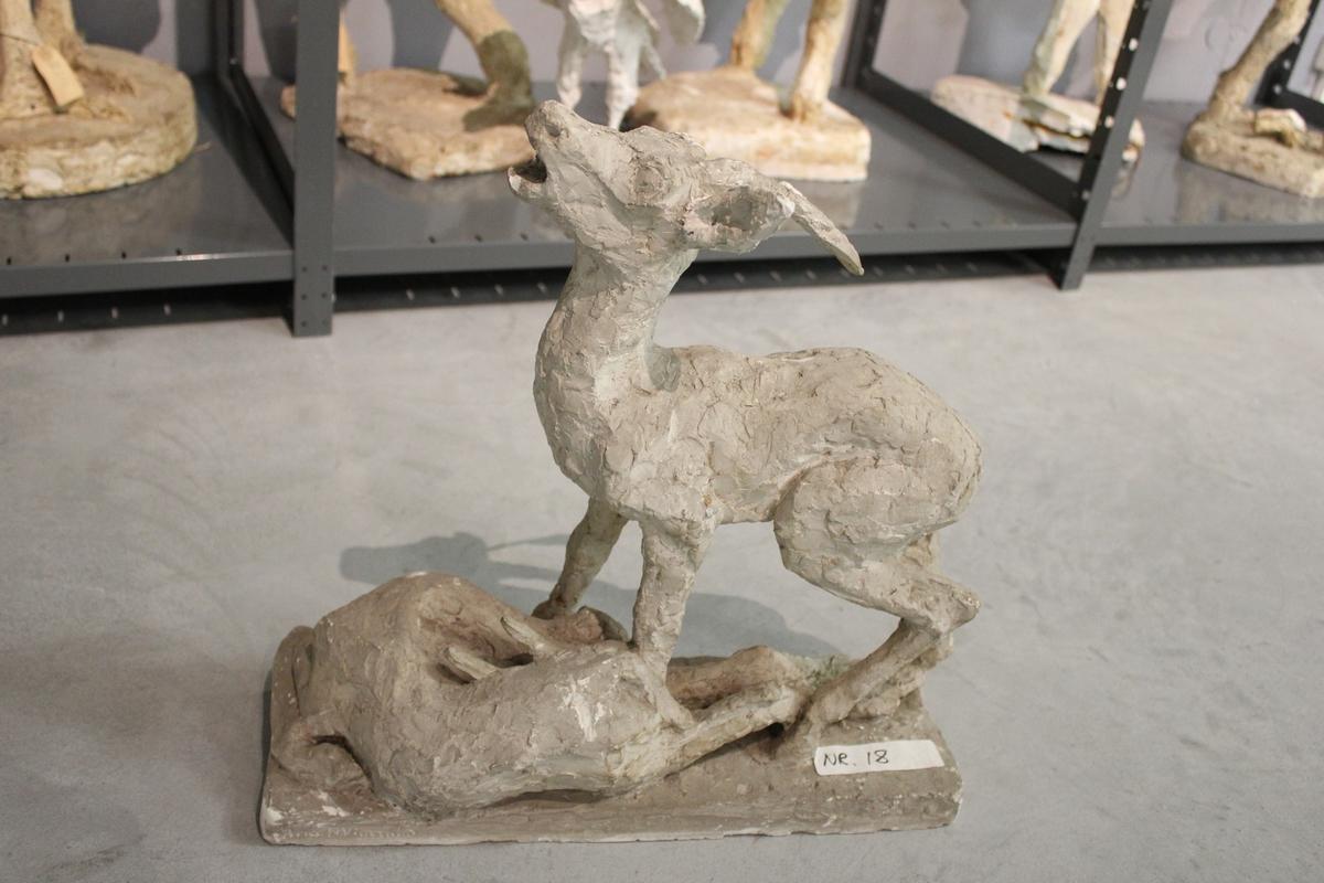 """Skulptur i gips. Tittel: """"SEIREREN"""". fra 1933."""