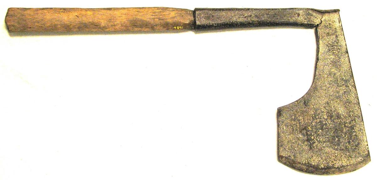 Form: Sjå kat. nr. 1679. Kjøpt på auksjon etter Ole S. Engesæther, Kaupanger 26.07.1909.