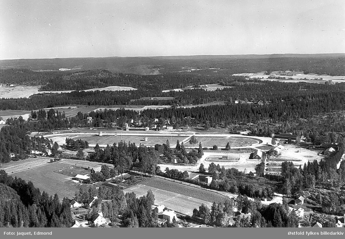 Momarken Travbane As på Mysen i  Eidsberg, flyfoto 21.september 1963.