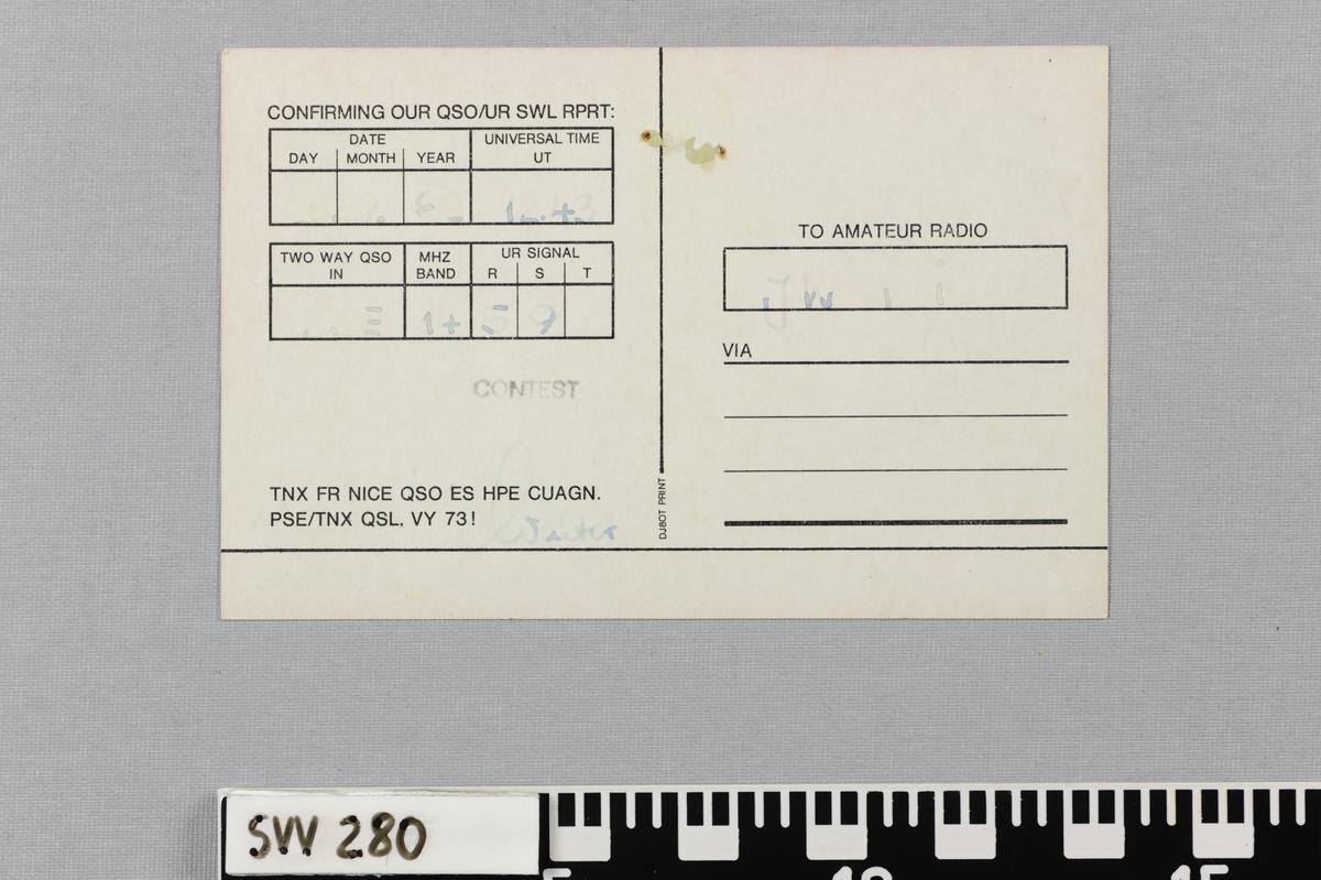 Pappkort med trykt tekst og bilde.