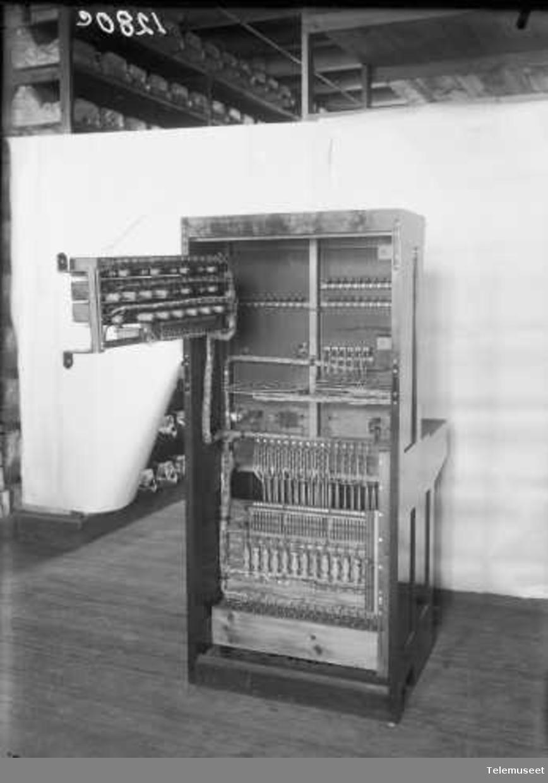 PBX kabinettveksler for KTA  30+6+1 lj. 3.4.1923 Elektrisk Bureau.