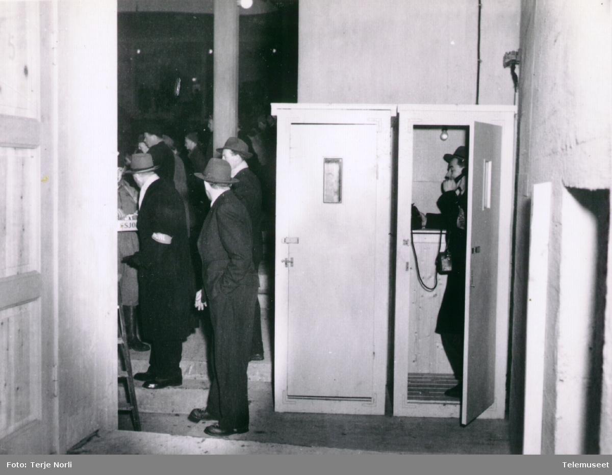 Olympiske leker 1952, telefonapparater, telefonkiosker