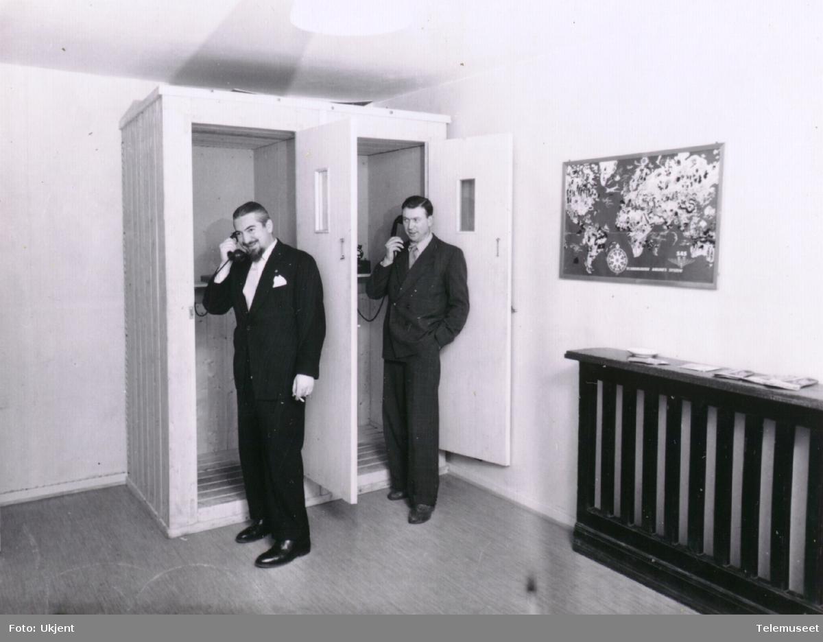 Telefonkiosker talebokser ved Holmenkollen