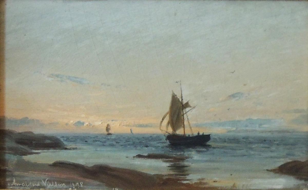 Skjærgård og seilbåter.