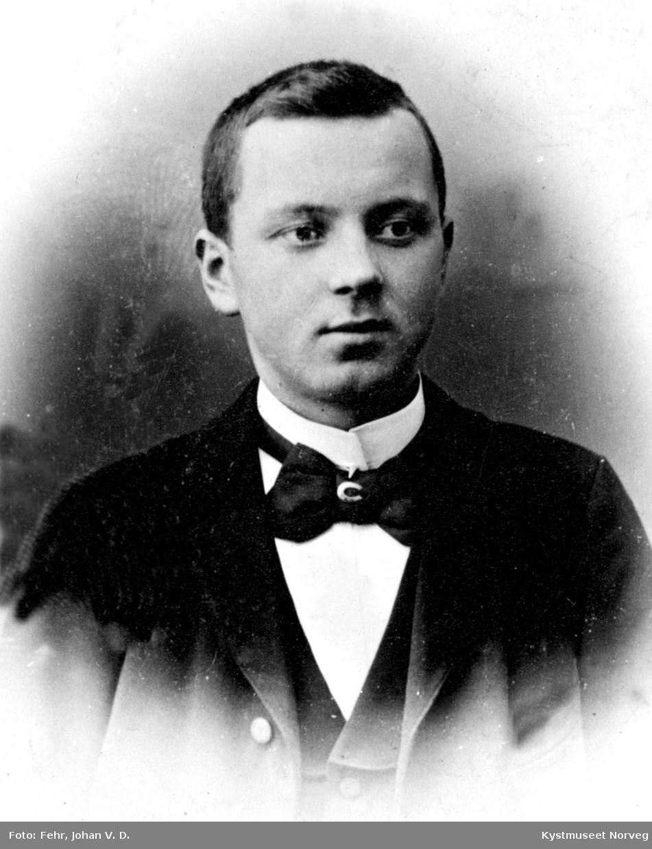Kristian eller Osvald Olsvik