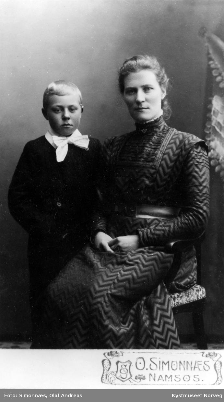 Hilda Flasnes med sønnen Brynjulf Flasnes