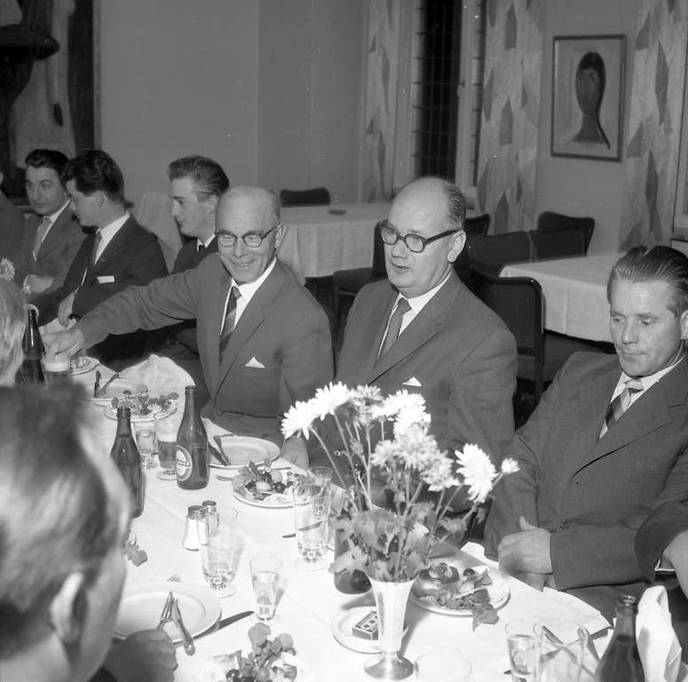 """Enligt notering: """"Taklagsfest Bohusläningen Nov -60""""."""