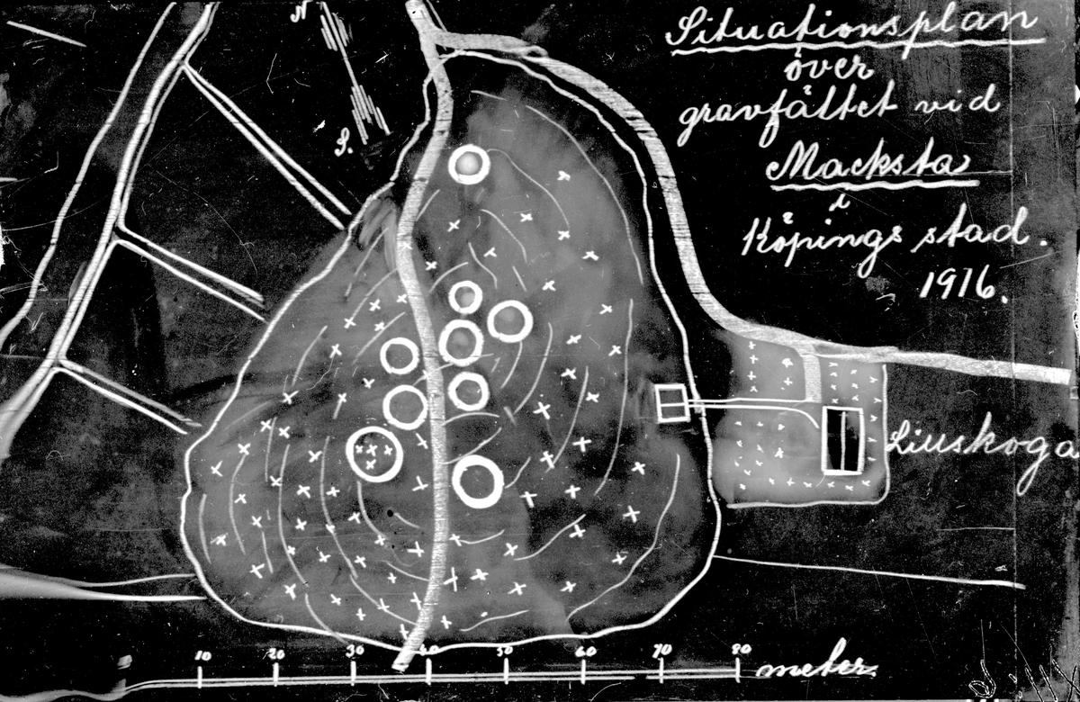 Plan över gravfält vid Macksta 1916. Fotograf okänd.
