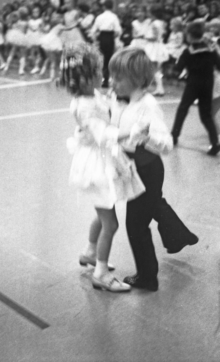 Danseskolen - Juleoppvisning 1971.