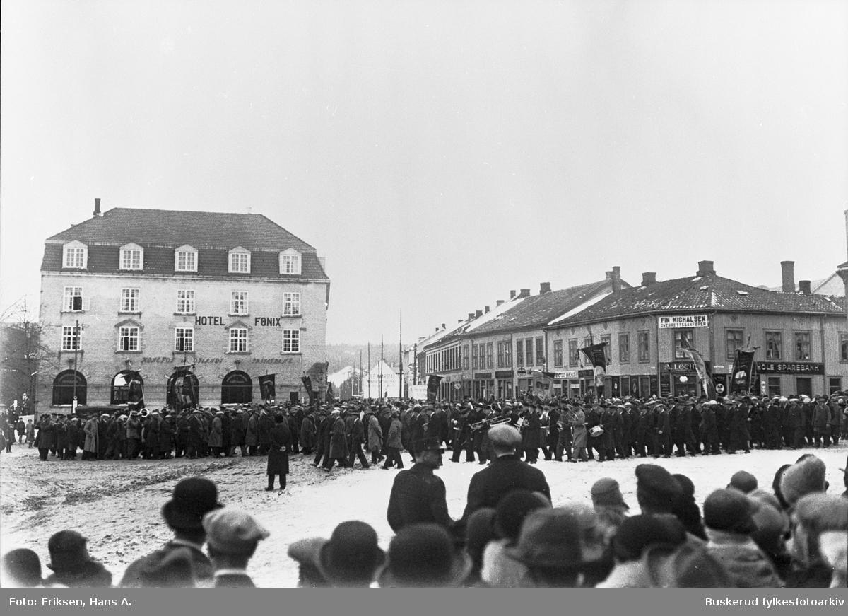 1. .Mai tog over S. Torg i Hønefoss 1926