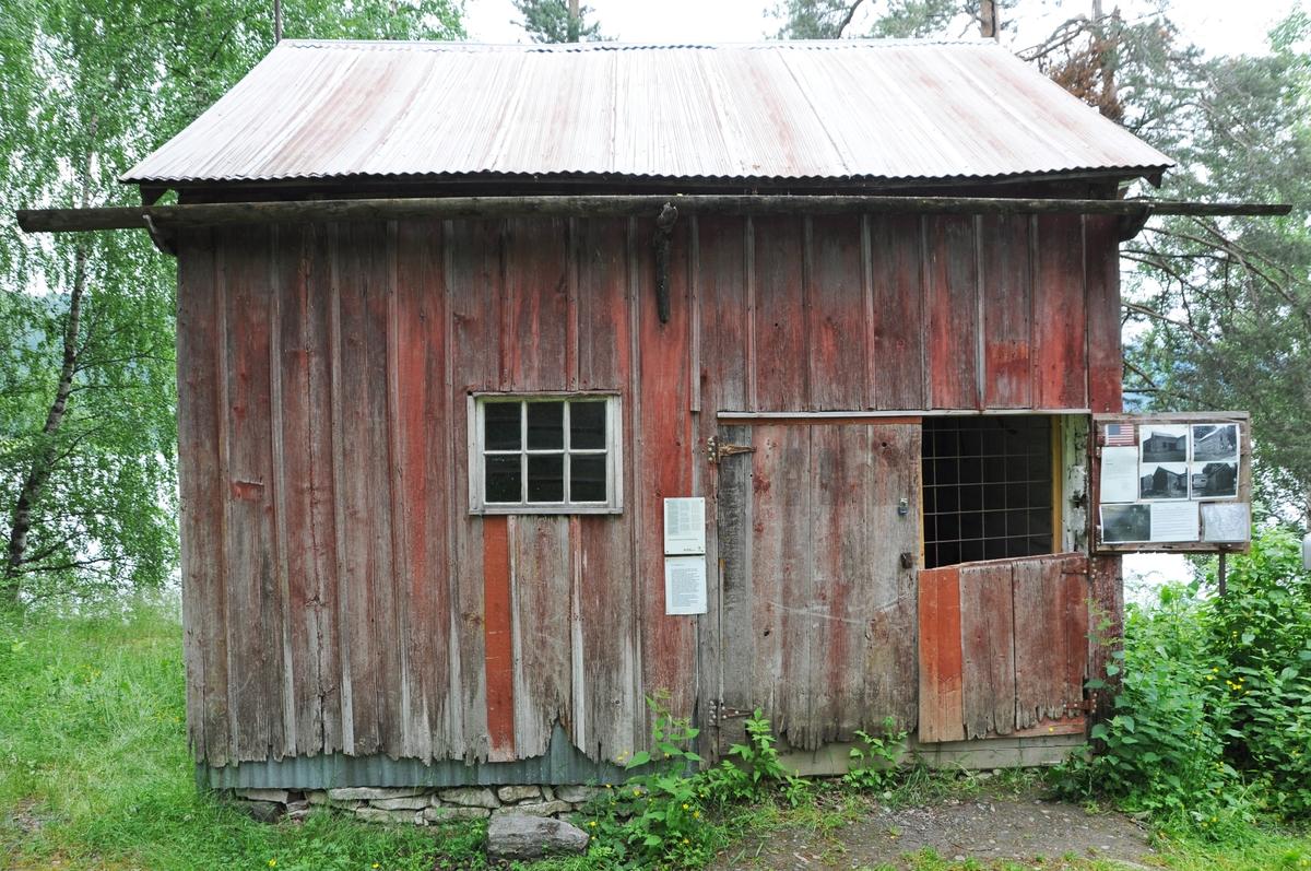Typisk utvandrarhus som har hatt ulike funksjonar gjennom åra.