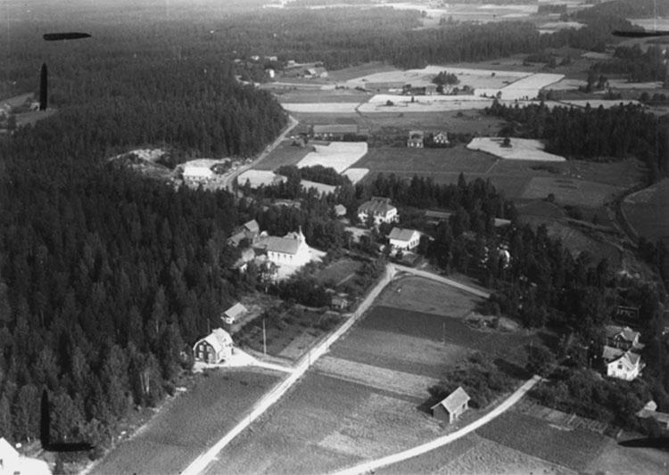 Flygfoto över Lunger.Bilden tagen för vykort.Förlag: A.B. Bröderna Björn, Götlunda.