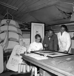 Lindgrens järnhandel firar 100-årsjubileum. Framställning av