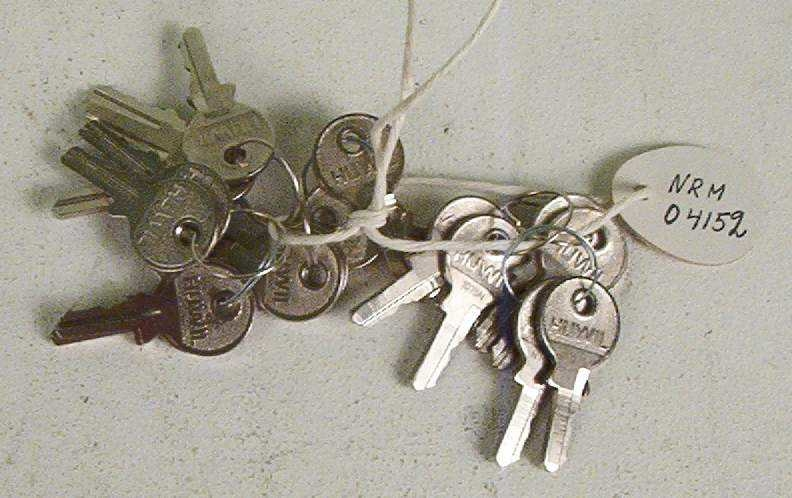 18 stk. nøkler - alle like med samme nr. 1075 N.