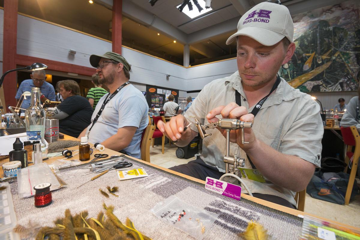 Fluebinding i sentralhallen under De nordiske jakt- og fiskedager 2014