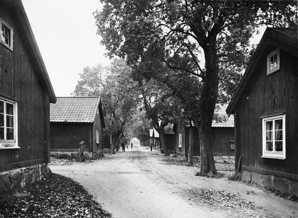 Wesslands Bruk, Uppland. Wessland (Västland), bruksgata.