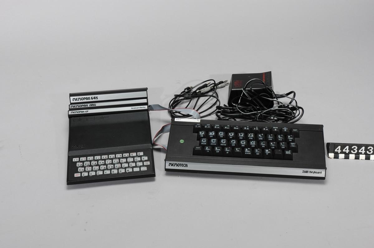 Hemdator i svart plast. Membrantangentbord med 40 tangenter. Tangenterna har flera funktioner, bl.a. BASIC-programmeringskommandon för snabbare inmatning och bättre utnyttjande av minnet. Flera kommandon är kontextbaserade Tillbehör: Originalkartong Nätdel (Sinclair) Anslutningssladd till bandspelare Memotech Tangentbord med extra Memopak och Keyboard-buffer med originalkartong Memotech Memopak HRG (High Resolution Graphics) med originalkartong Memotech Memopak 64 K med originalkartong Kassettband: ZX81 Flight Simulation, Super Chess samt fyra med givarens egna program