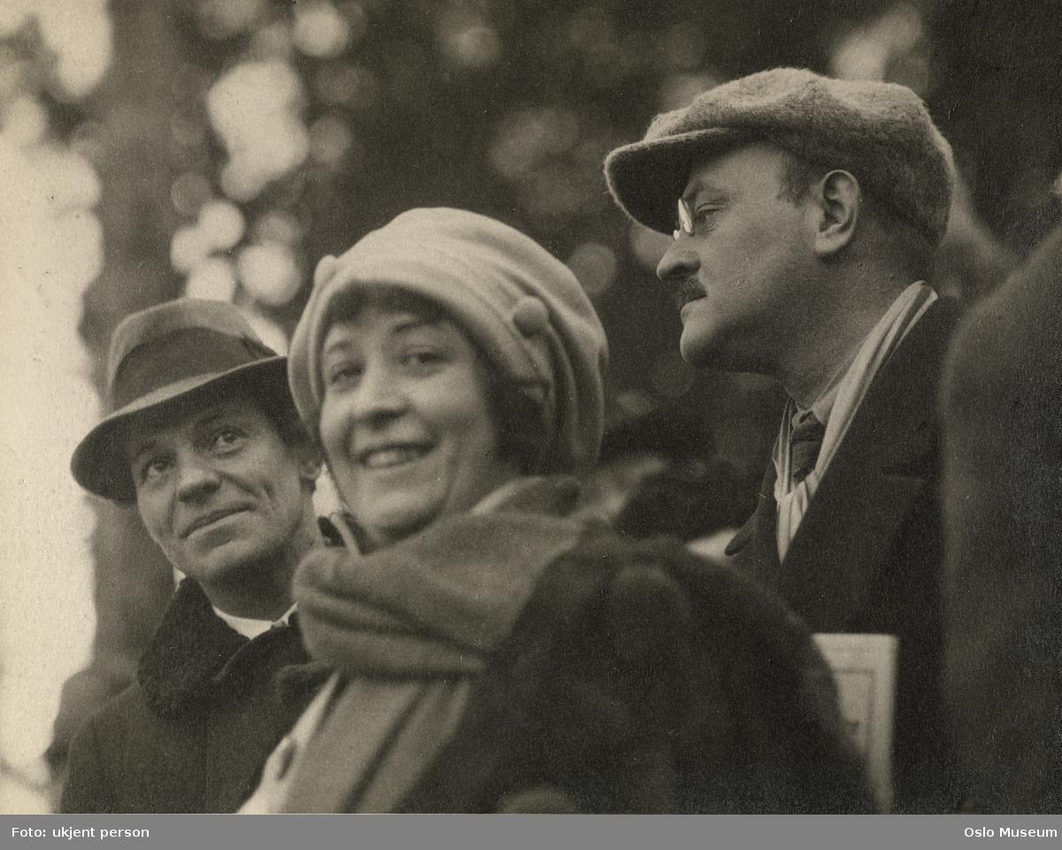 menn, kvinne, skuespillere, tilskuere ved Holmenkollrennet