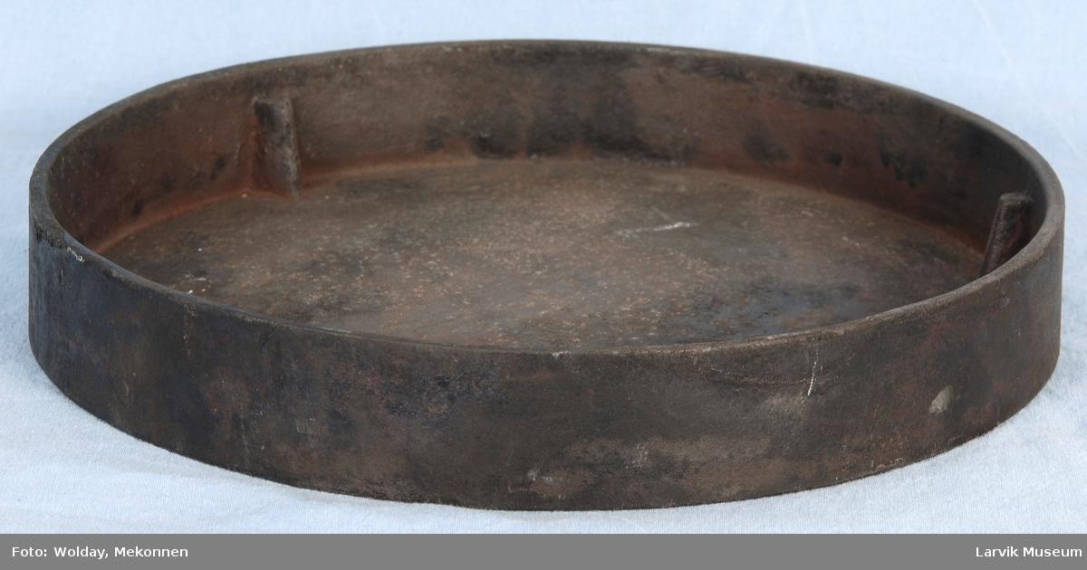 Del til sylinderovn. Rund formet kopp med høye kanter