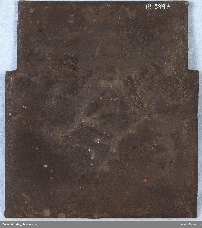 Til jernovn. Rett form med profilerte kante. Opphøyet kant