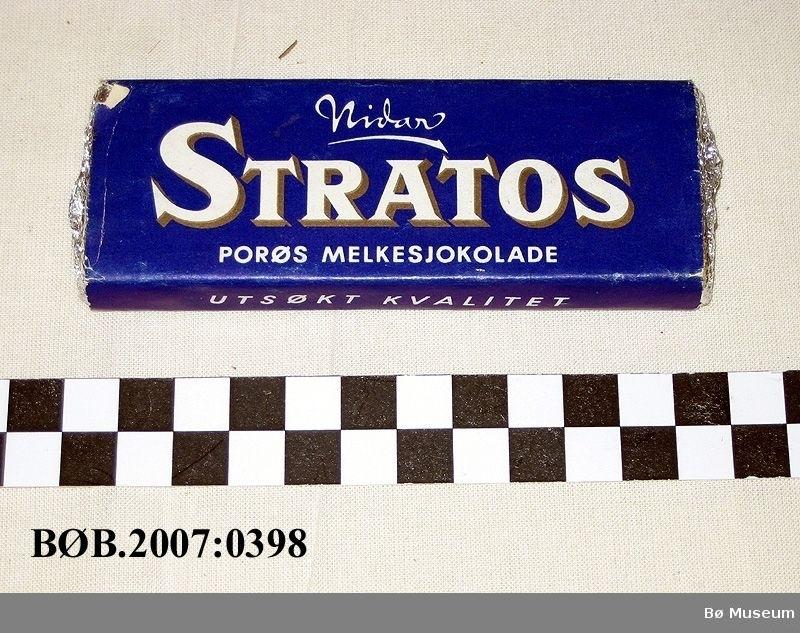 Sjokolade til reklameformål, sjokoladen er bytta ut med eit trestykke