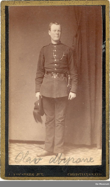 Mann, heilfigur, uniform. Olav Myrane
