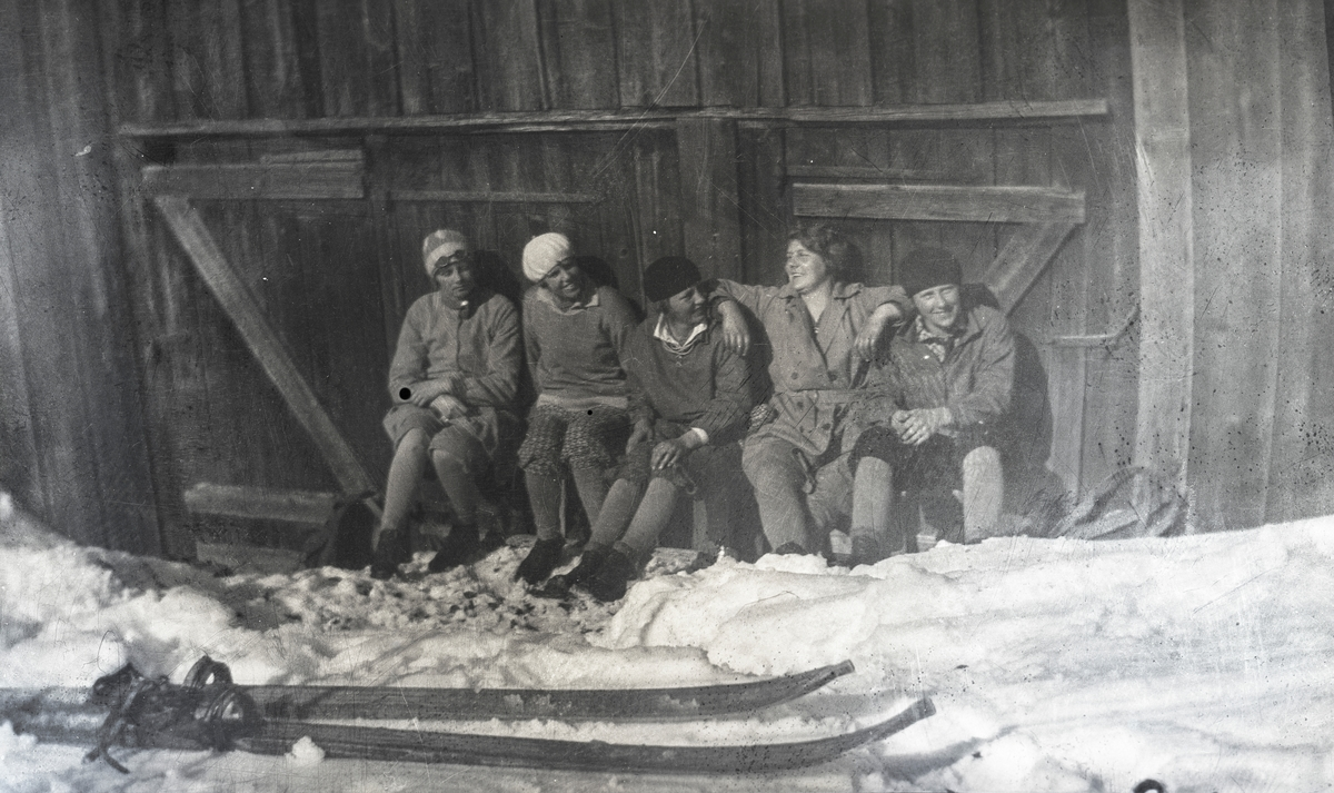 A rest during skiing