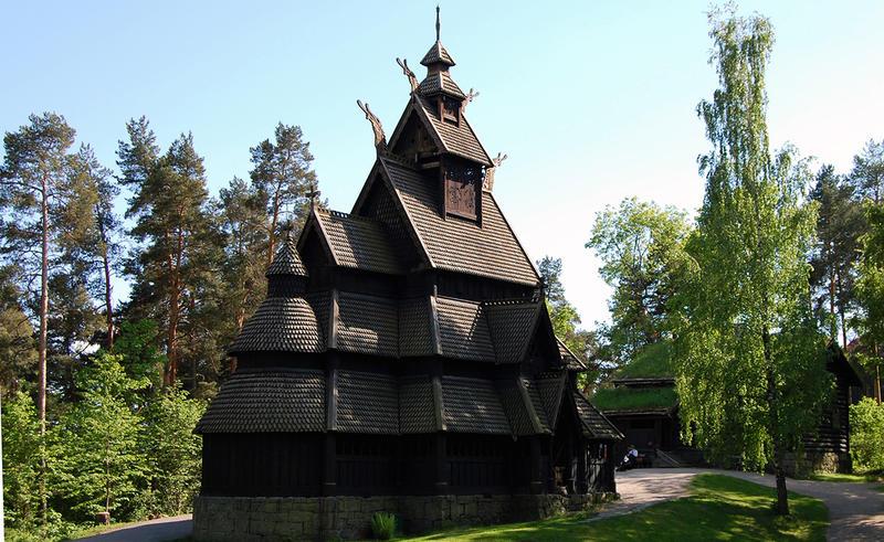 Stavkirke på Norsk Folkemuseum. Foto/Photo