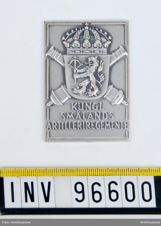 Plakett i silver för Smålands artilleriregemente. Stans 41586.