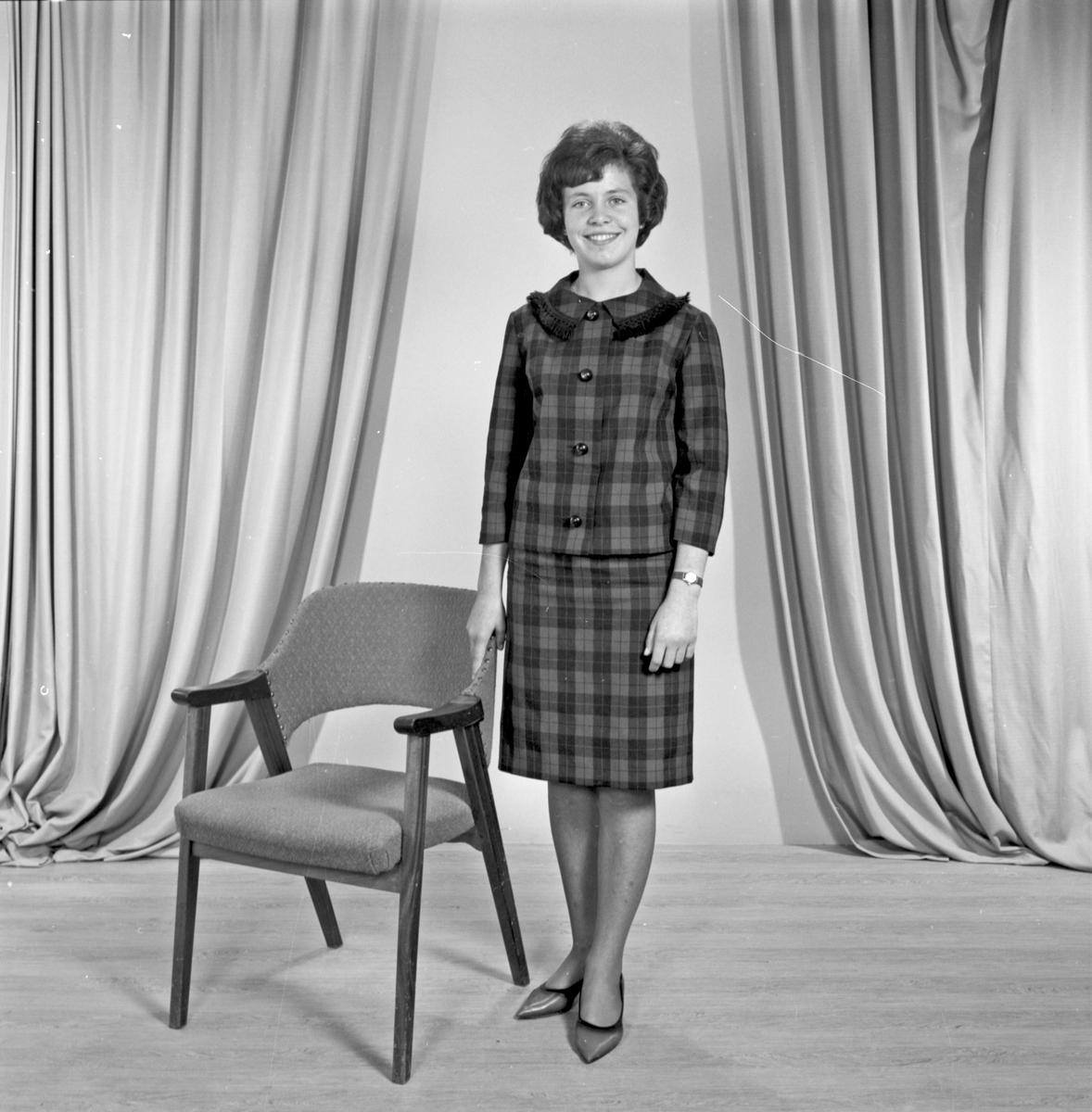 Portrett ung kvinne - bestiller Hanne M. Kallevik
