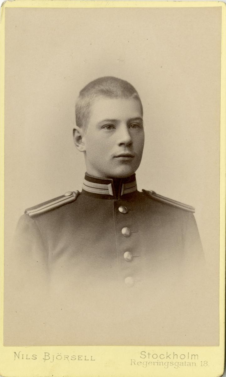 Porträtt av Allan Henrik Mikael Kreüger, underlöjtnant vid Kronobergs regemente I 11.