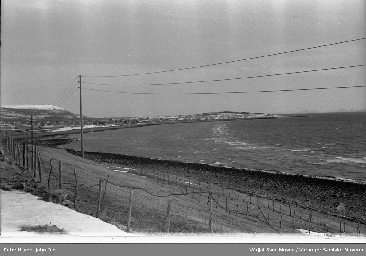 Strandlinja i Vestre Jakobselv. Bildet er tatt før Skittenelv. 1967