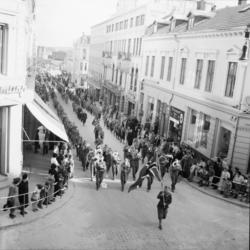 """Vardens arkiv. """"St. Georgsdagen i Skien"""" 23.04.1954"""